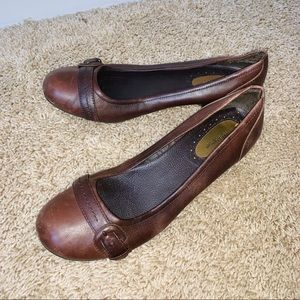 Croft & barrow brown leather career shoes size 8.5